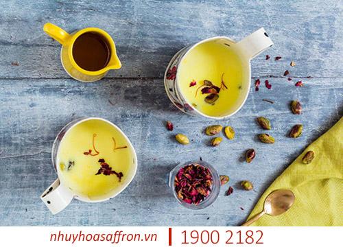 cách uống nhụy hoa nghệ tây saffron